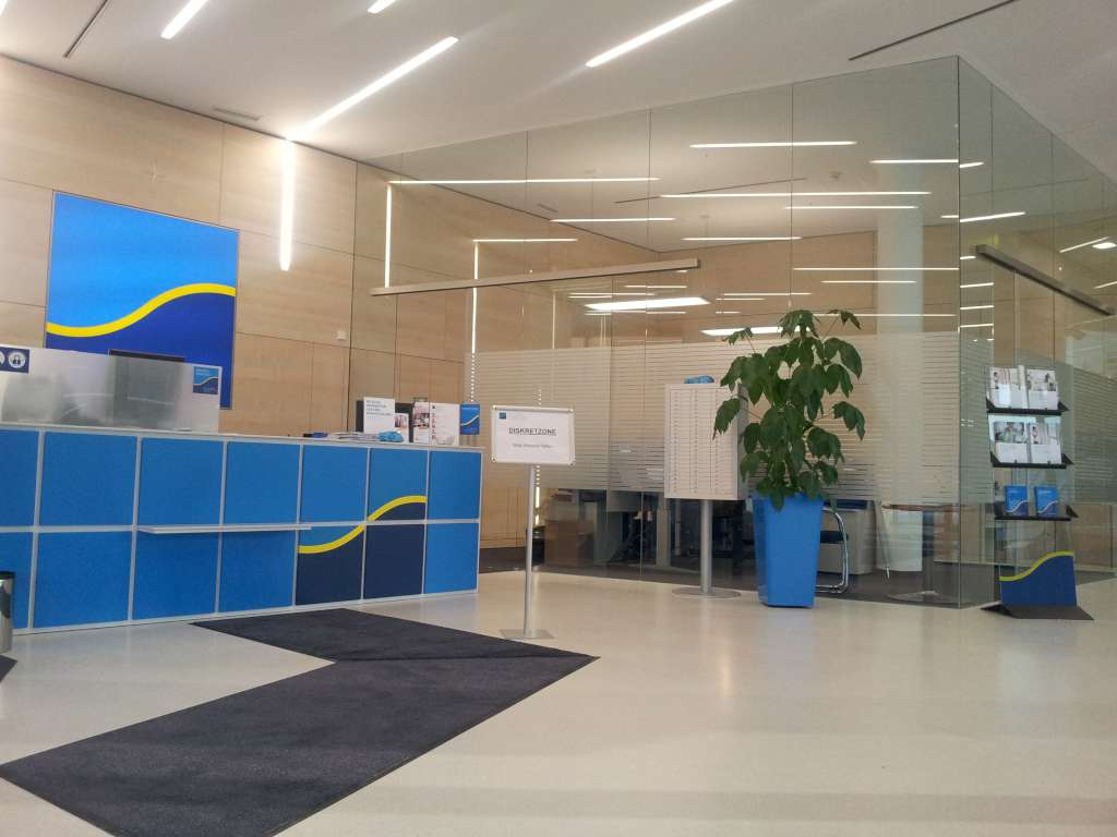 Nurglast ren und trennw nde glas loley konstruktiver glasbau beschattungssysteme - Glastrennwand wohnbereich ...